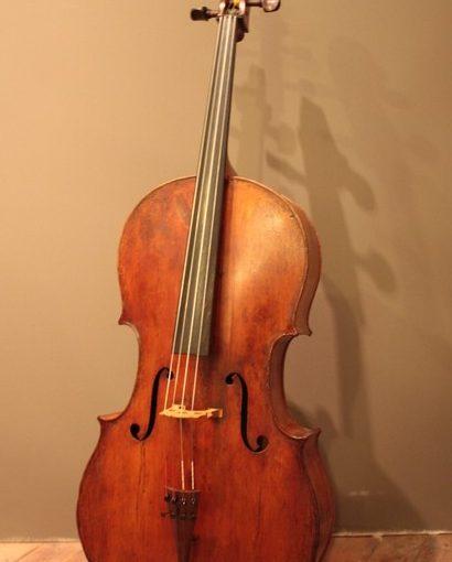 Le violoncelle «Benoist Fleury» de 1759 est restauré, vous pouvez venir l'essayer à l'atelier